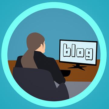 ブログを書いているところ